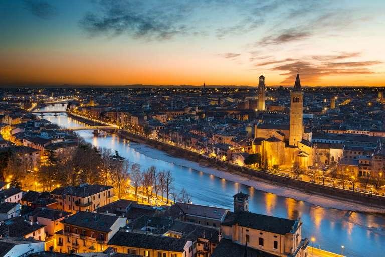 Verona, la città di Romeo e Giulietta e del bel canto
